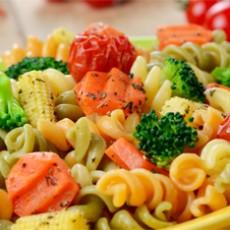 Fusilli com Linguiça Toscana Feijões e Cogumelos